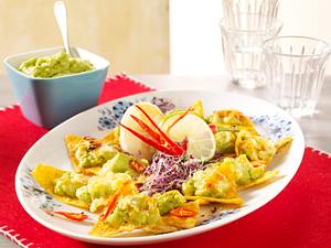 Überbackene Tortilla-Chips mit Guacamole Rezept