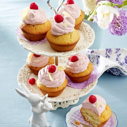 vanille cupcakes mit himbeermousse rezept lecker. Black Bedroom Furniture Sets. Home Design Ideas