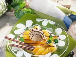 Vanille-Honig-Eiskreme auf Aprikosenpüree Rezept