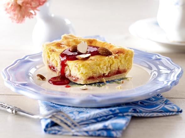 Vanille-Milchreis-Kuchen mit Holunderblütensirup Rezept