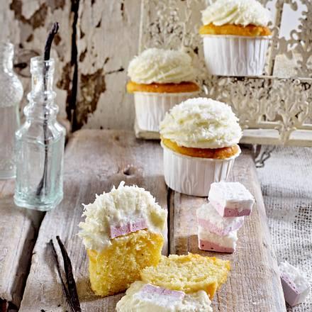 Vanille-Muffins mit Kokos-Kirsch-Marshmallowfüllung Rezept