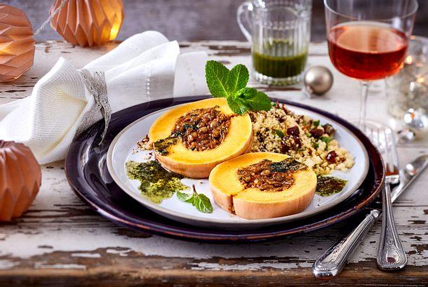 Veganer Kürbis-Braten mit Dattel-Couscous Rezept