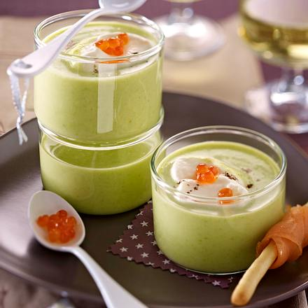 Velouté de fèves, chantilly au saumon fumé Rezept