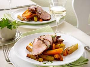 Virginia Schnweinefilet auf geröstetem Möhren-Kartoffel-Gemüse Rezept