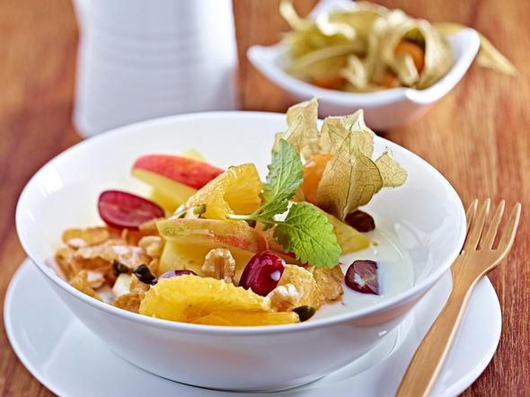 Vital-Müsli mit Nüssen und Früchten Rezept