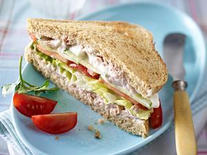Vollkorn Sandwich mit Thunfischcreme Rezept