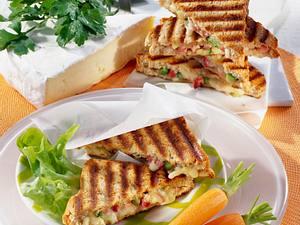Vollkorn-Toast mit Käsefüllung Rezept