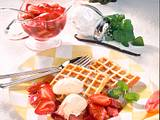 Waffeln mit Erdbeer-Rhabarber-Kompott Rezept