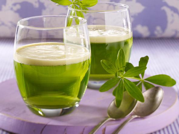 Waldmeister-Götterspeise mit Vanillesoße Rezept