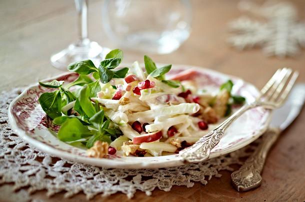 Waldorfsalat mit Granatapfel Rezept