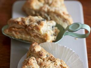 Walnuss-Biscuits mit Blauschimmelkäse Rezept