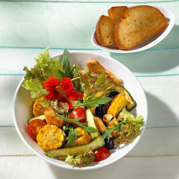 Warmer Hähnchensalat (mit Maiskolben) Rezept