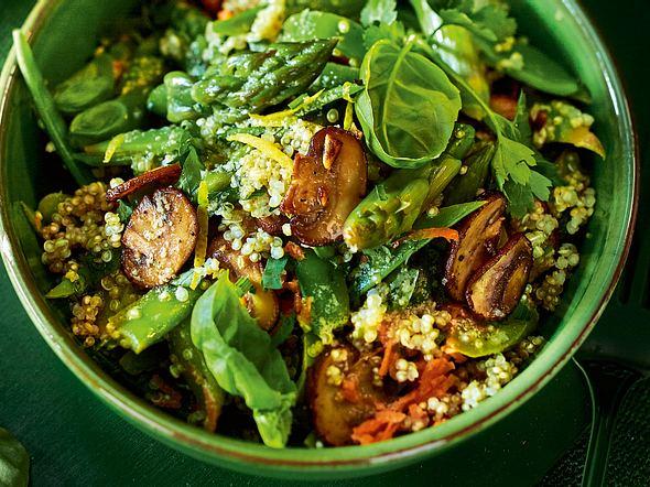 Warmer Quinoa-Spargel-Salat