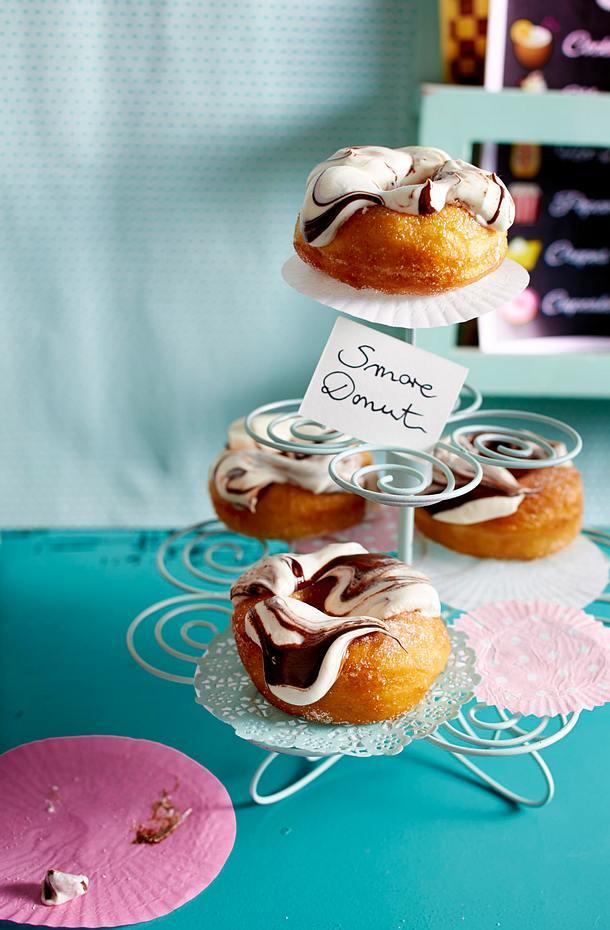 weihnachts donuts mit konfit re schmand guss rezept lecker. Black Bedroom Furniture Sets. Home Design Ideas