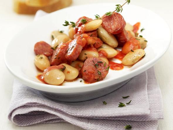 Weiße Riesenbohnen in Thymian-Tomatensoße mit Salsicce-Wurst Rezept