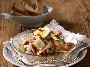 Weißer Heringssalat mit Apfel & Wurst Rezept