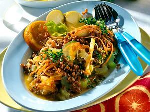 Weizen-Staudensellerie-Salat mit Orangen-Senf-Vinaigrette Rezept