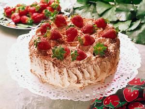 Wickeltorte mit Erdbeeren Rezept
