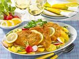 Wiener Schnitzel mit lauwarmem Kartoffelsalat Rezept