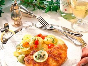 Wiener Schnitzel zu Kartoffel-Gurken-Salat Rezept