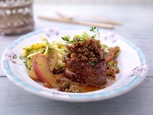 Wildschwein-Medaillons mit Honigkuchenkruste und Calvados-Äpfeln Rezept