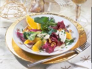 Winterlicher Blattsalat mit Frischkäse-Nockerln Rezept