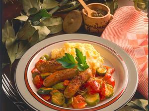 Würstchen auf Ratatouille Rezept