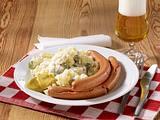 Würstchen mit Kartoffelsalat Rezept
