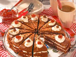 Würzige Schwarzbrot-Torte Rezept