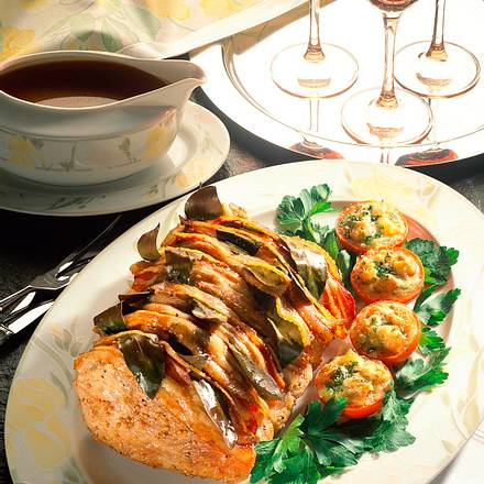 Würziger Kalbsbraten mit Käse-Tomaten Rezept