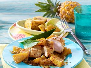 Würziges Hähnchen mit Ananas zu gebackenen Kochbananen Rezept