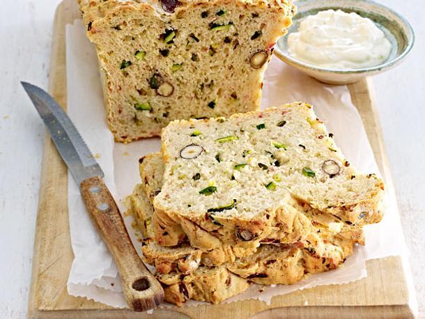 Würziges Zucchini-Brot Rezept