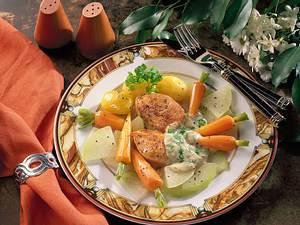 Zartes Gemüse mit Putensteaks und Kerbelsoße Rezept