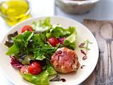 Ziegenkäse im Speckmantel mit Salat Rezept