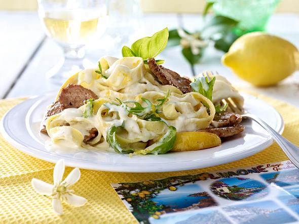 Zitronen-Pasta mit Schweinemedaillons Rezept