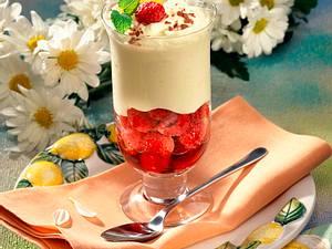 Zitronencreme-Früchte-Becher Rezept