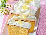 Zitronenkuchen mit Crème-fraîche-Haube Rezept