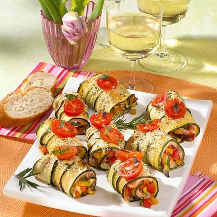 zucchini lachs r llchen mit ratatouille rezept lecker. Black Bedroom Furniture Sets. Home Design Ideas
