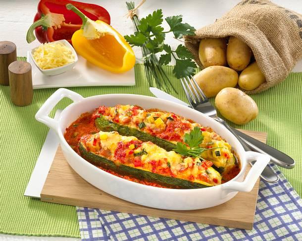 zucchini mit kartoffelp ree f llung rezept lecker. Black Bedroom Furniture Sets. Home Design Ideas
