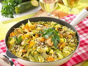 Zucchini-Reispfanne mit Hähnchen Rezept