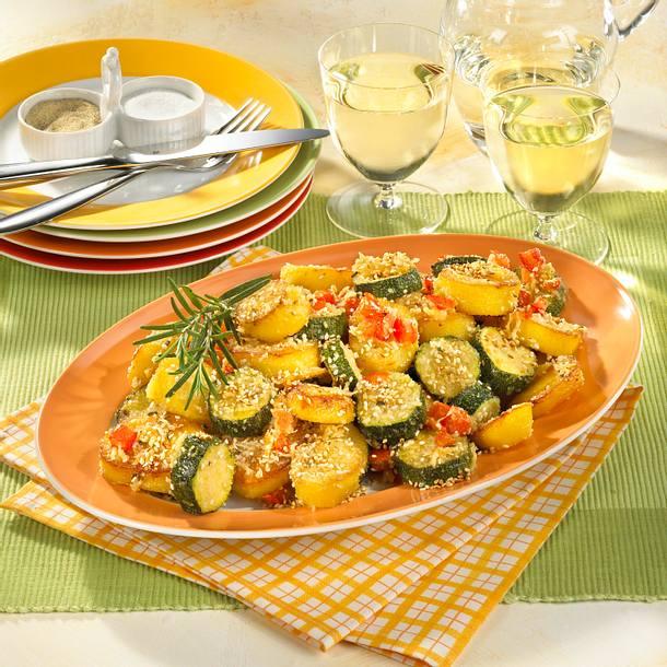 zucchini und kartoffeln vom blech rezept lecker. Black Bedroom Furniture Sets. Home Design Ideas