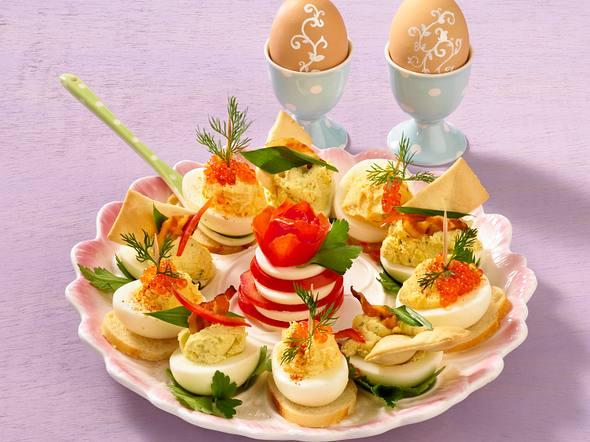 Zweierlei gefüllte Eier Rezept