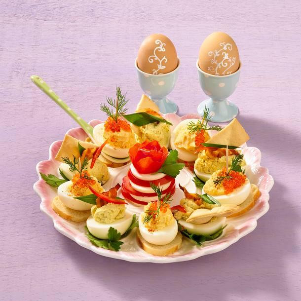 Zweierlei gef llte eier rezept lecker - Eier hart kochen ohne anstechen ...