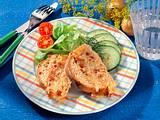 Zwiebel-Speck-Brot mit Salat Rezept