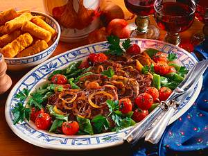 Zwiebelrostbraten mit Bohnen-Tomatengemüse Rezept