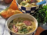 Zwiebelsuppe mit Wurst Rezept