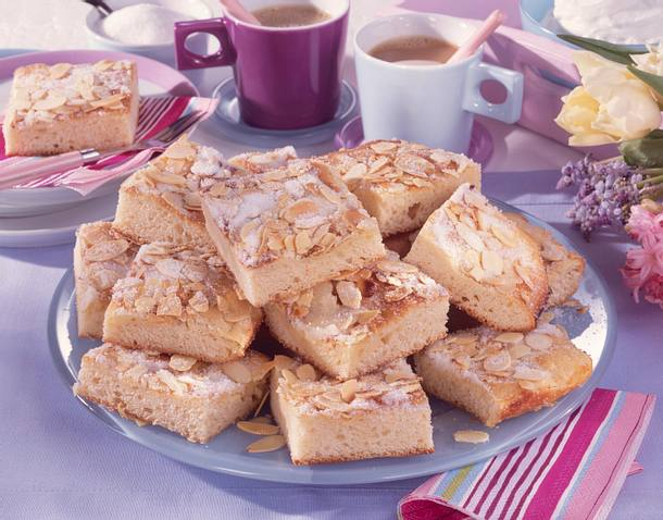 Feiner Butterkuchen vom Blech Rezept   LECKER
