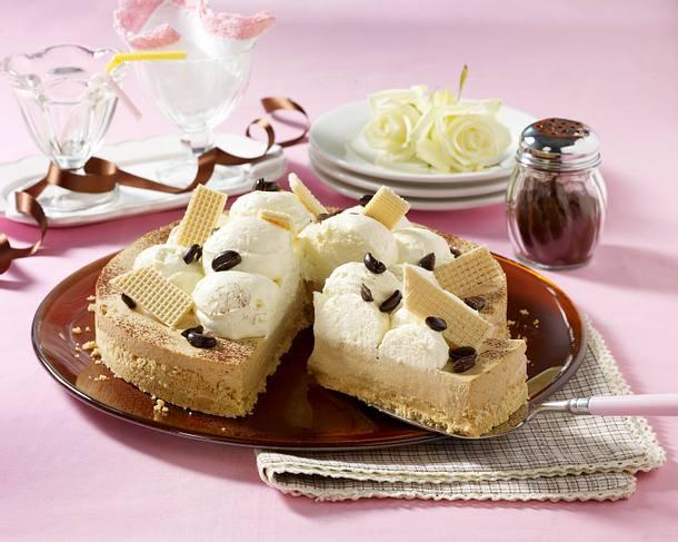Eiskaffee Torte Mit Loffelbiskuit Waffel Boden Rezept Lecker