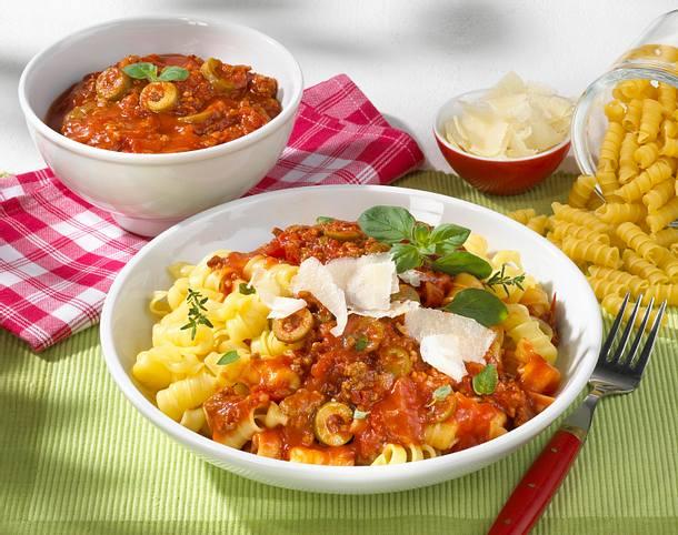 Nudeln Mit Tomaten Hack Sosse Und Parmesan Rezept Lecker
