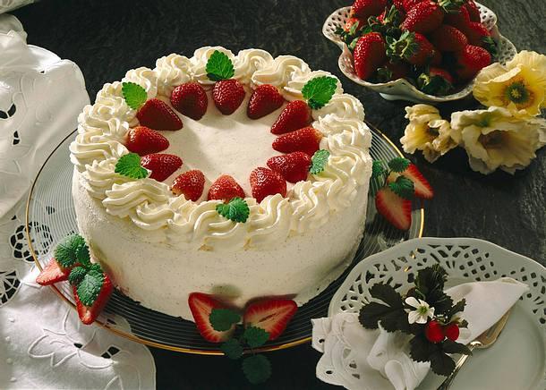 Erdbeer Sahne Torte Rezept Lecker